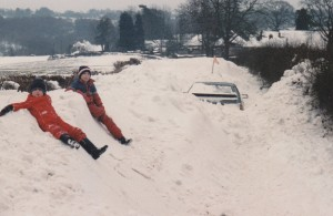 Car burried in snowdrift - Wadhurst 1987
